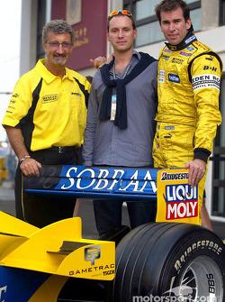 Eddie Jordan, David Paysant y Ralph Firman