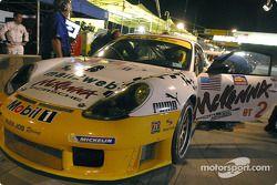 #24 Alex Job Racing Porsche 911 GT3RS: Timo Bernhard, Jorg Bergmeister, Romain Dumas