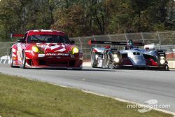 #89 Inline Cunningham Racing Porsche 911 GT3RS: Burt Frisselle, Oswaldo Negri, et #11 JML Team Panoz