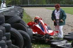 Matt Green dans le mur de pneus