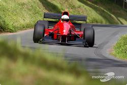Simon Durling avec sa nouvelle Gould attaque l'entrée du S à plus de 200 km/h