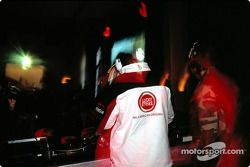 Jenson Button spins records, Paradiso