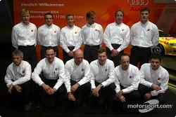 Das Audi-DTM-Team für 2004: Mattias Ekström, Christian Abt, Tom Kristensen, Emanuele Pirro, Frank Bi