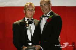 Troisième du Championnat des Pilotes : Johnny Herbert avec Scott Atherton, dirigeant de l'ALMS