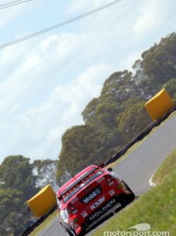 HRT's Todd Kelly will be out to help team mate Mark Skaife win his 6th championship over the weekend