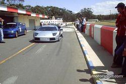 Une Lamborghini Murcielago qui descend les stands de Killarney