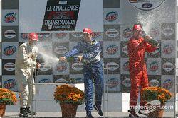 Podium : champagne pour Memo Rojas, Leonardo Maia et Colin Fleming