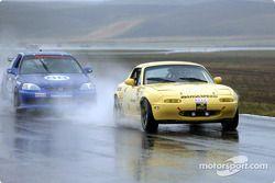 #19 Team 19 Racing: Victor Contreras, Charles Espenlaub, Rod Riley, J.T. Monello et #88 NN Racing: T
