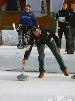 Ralf Schumacher tries curling