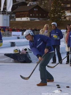 Ralf Schumacher plays ice hockey