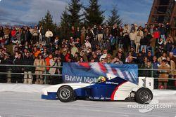 Ralf Schumacher pilote une Formula BMW sur la glace