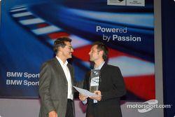 Fête BMW Motorsport : Mario Theissen avec le vainqueur du prix BMW Andy Priaulx