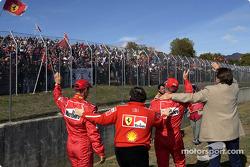 Michael Schumacher, Jean Todt, Luca Badoer y Luca di Montezemolo