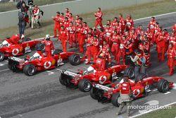 L'équipe et les F2003-GA