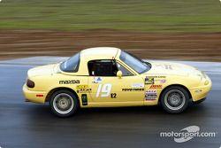 La n°19 du Team 19 Racing pilotée par Victor Contreras, Charles Espenlaub, Rod Riley et J.T. Monello