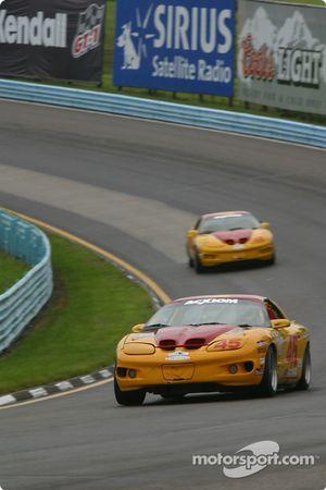 La voiture n°45 de Bob Ward et Mike Yeakle de l'équipe Michael Baughman Racing Firebird