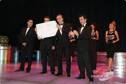 Carlos Sainz, Sebastien Loeb, Marc Martin ve Daniel Elena holding a Miss you Richard Burns logo