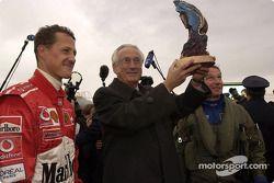 Michael Schumacher recibe premio