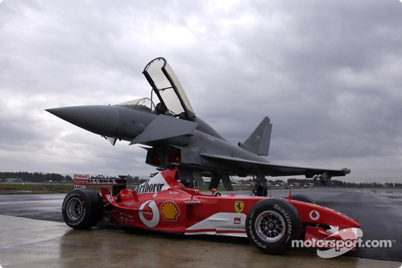 Ferrari F2003-GA та Eurofighter Typhoon