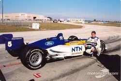 Jonathan Macri en essais avec le Walker Racing