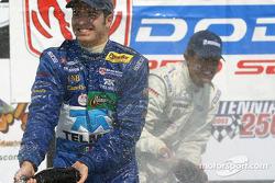 Sur le podium : Champagne pour Memo Rojas et Leonardo Maia
