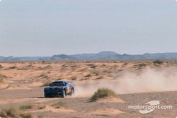 Bruno Saby et Matthew Stevenson essaient le Volkswagen Race-Touareg