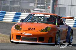 La Porsche GT3 RS n°88 de l'équipe ASM Team Pedro Couceiro (Miguel Amaral, Carlos Barbot)