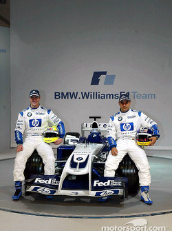 Ralf Schumacher und Juan Pablo Montoya mit dem WilliamsF1 BMW FW26