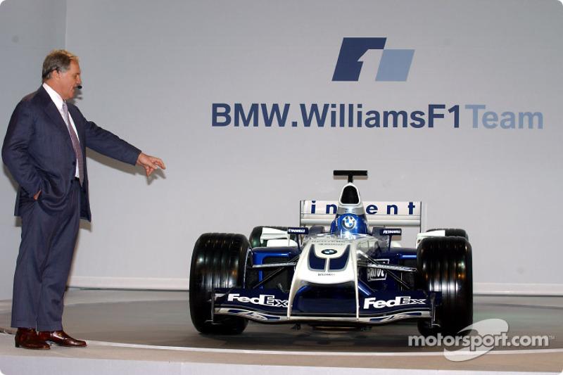 Технічний директор Williams Патрік Хед з новим Williams FW26 BMW