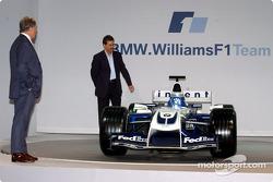 Technikchef Patrick Head und BMW-Sportchef Mario Theissen mit dem WilliamsF1 BMW FW26