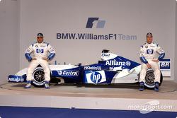 Juan Pablo Montoya y Ralf Schumacher con el WilliamsF1 BMW FW26
