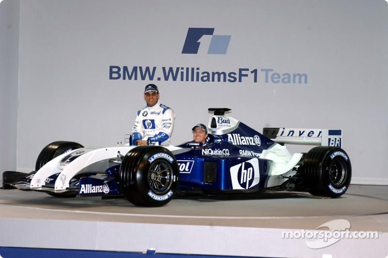 Juan Pablo Montoya et Ralf Schumacher avec la nouvelle WilliamsF1 BMW FW26