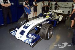 Ralf Schumacher tests the new WilliamsF1 BMW FW26