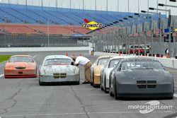 Les voitures, alignées