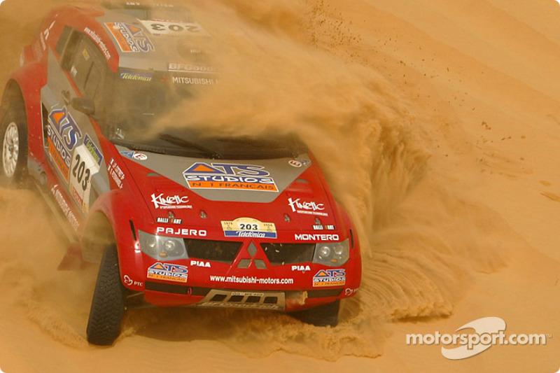 2004: Stéphane Peterhansel dan Jean-Paul Cottret, Mitsubishi Pajero Evolution