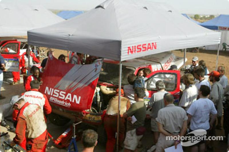 Nissan Motorsports service area & Nissan Motorsports service area at Dakar