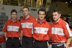 Состав команды Mitsubishi на 2004 год: Жиль Паницци, Кристиан Сольберг, Даниэль Сола и Джанлуиджи Га