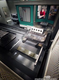 CNC - Cylinder head manufacturing