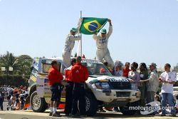 Klever Kolberg et Roldan Lourival ravis sur le podium d'arrivée