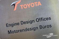 Engine design office