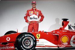 Михаэль Шумахер и новая Ferrari F2004