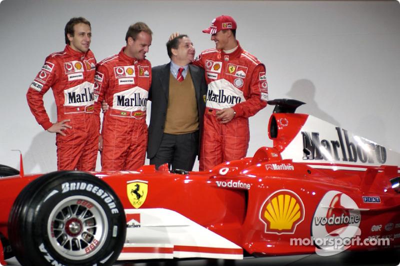 Luca Badoer, Rubens Barrichello, Jean Todt ve Michael Schumacher ve yeni Ferrari F2004