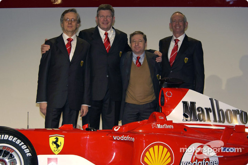 Paolo Martinelli, Ross Brawn, Jean Todt ve Rory Byrne ve yeni Ferrari F2004