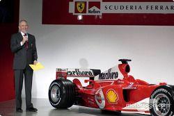 Рори Берн на презентации Ferrari F2004