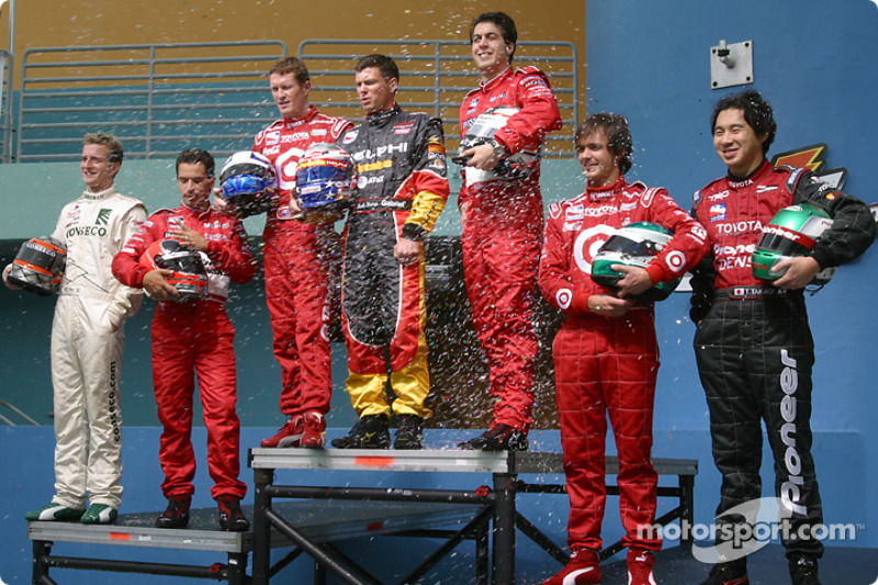 Photo shoot with IRL Toyota drivers: confettis