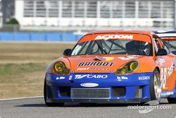 La Porsche GT3 RS n°88 du ASM Team Porsche (Pedro Couceiro, Miguel Amaral, Carlos Barbot, Manuel Giao)