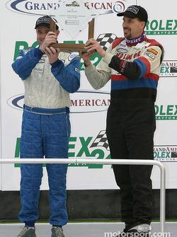 Podium ST : Les vainqueurs de classe John Schmitt et Mike Liebl