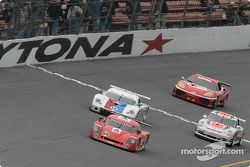 La Chevrolet Crawford n°09 du Spirit of Daytona Racing (Doug Goad, Stéphan Gregoire, Robby Gordon, M