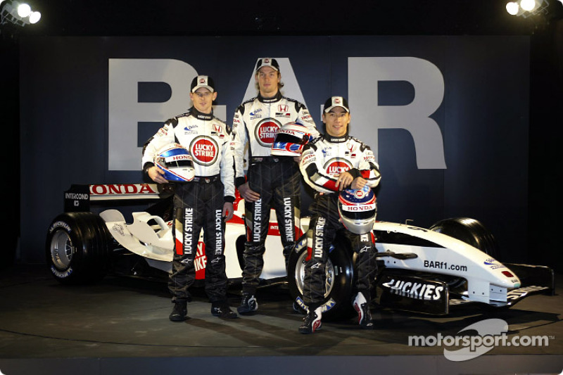 Anthony Davidson, Jenson Button and Takuma Sato with the new BAR 006