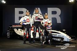 Anthony Davidson, Jenson Button and Takuma Sato with the new BAR 006